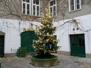 ChristmasTreeCourtyard