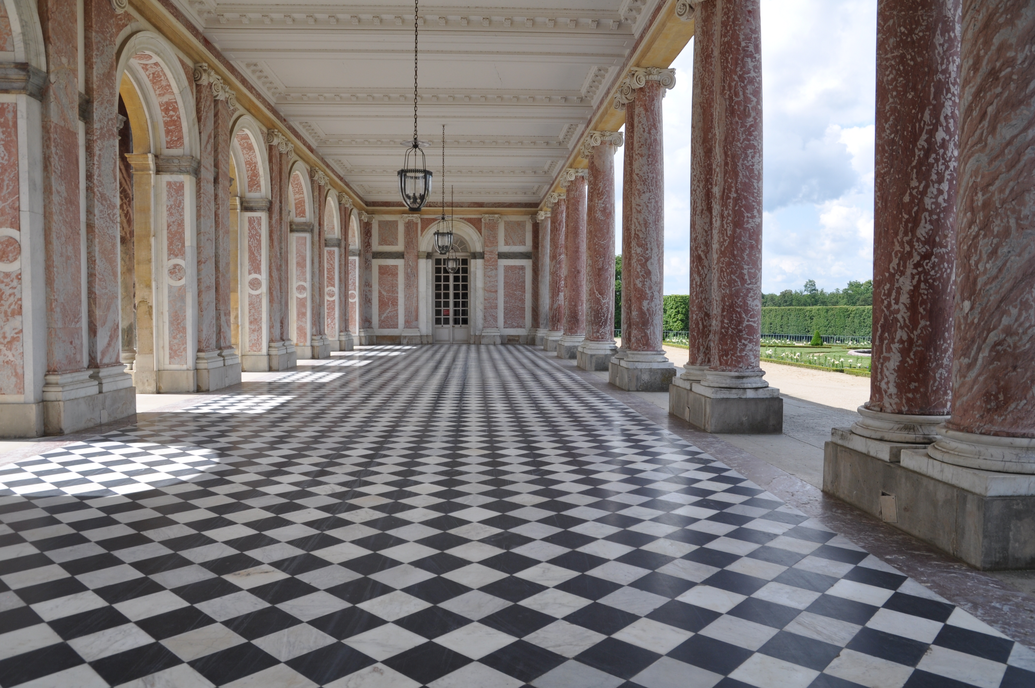 Palace of versailles for Interieur definition